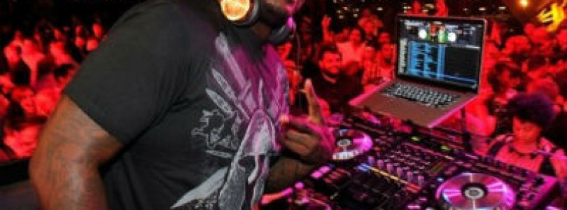 News: Basketball legend Shaquille O'Neal makes his official debut as DJ Diesel!