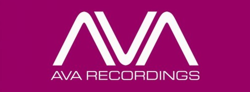 Somna feat. Michele C – Love Your Scars Away (Original Mix) [AVA Recordings]