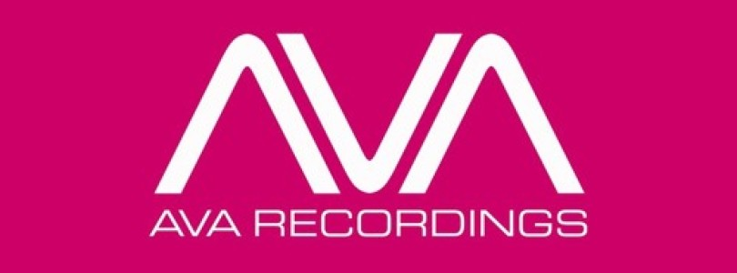 Somna Feat. Michele C – Love Your Scars Away (Allen & Envy Remix) [AVA Recordings (Black Hole)]
