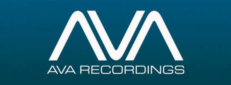Venice & Michele C – Coming Undone [AVA Recordings]