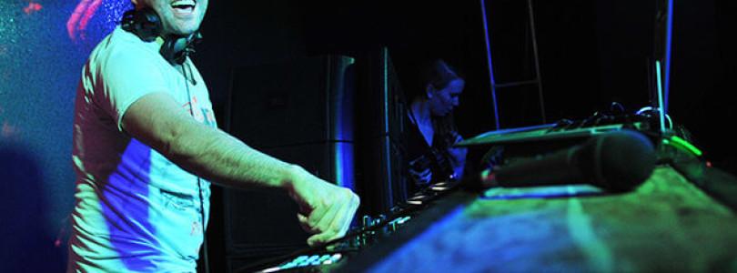 Gareth Emery premiers music video of 'Lost' feat. Janet Devlin