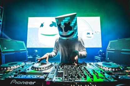 Marshmello parties with OWSLA friends and throws shade at deadmau5