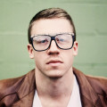 Vh1 Supersonic continue to raise the stakes, announce Macklemore!