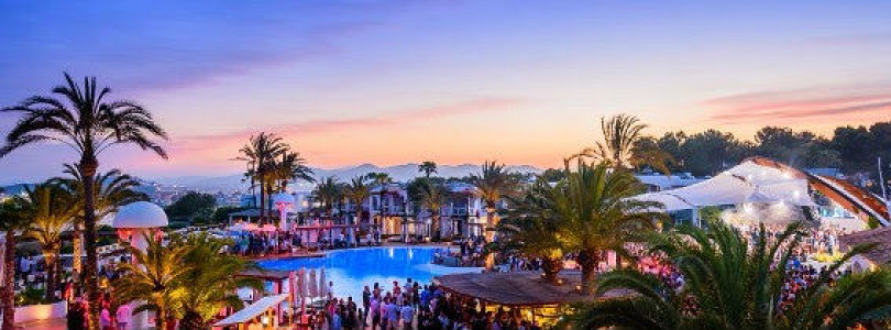 Maceo Plex takes his seminal Mosaic party brand to Destino, Talamanca for an exclusive one-off event