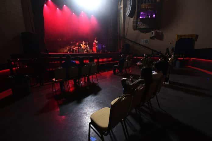 socially distanced concerts arkansas