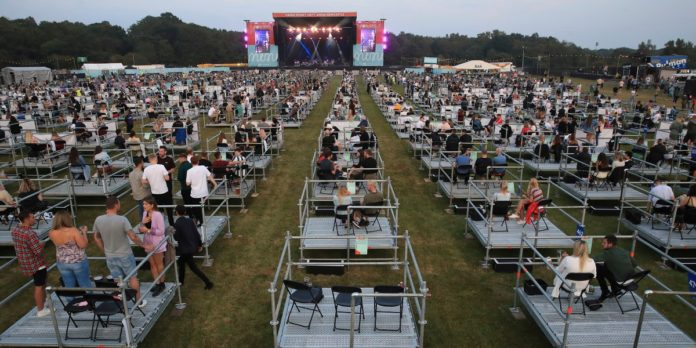 socially distanced concert uk